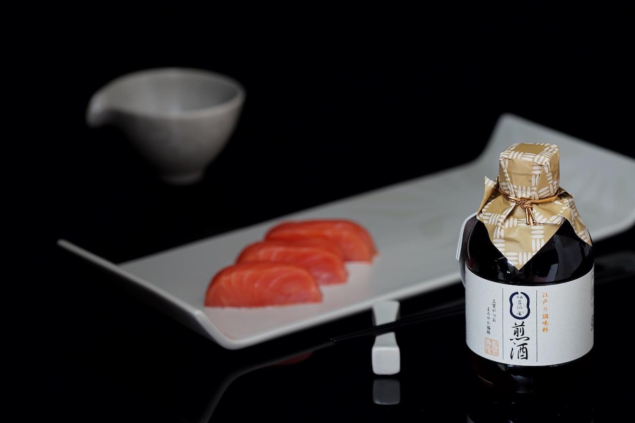 Als Ersatz für Sojasauce bringt Irizake Geschmack und harmoniert mit den feinsten Speisen