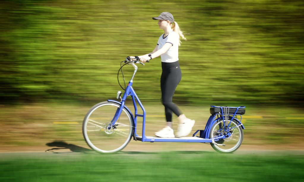 Mit bis zu 25 Stundenkilometer geht es auf dem Laufband-Fahrrad LOPIFIT voran