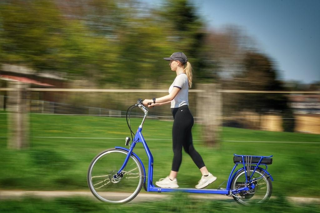 Auf dem täglichen Weg zur Schule oder Arbeit - im Stehen bzw. Laufen sehr gesund für den gesamten Körper
