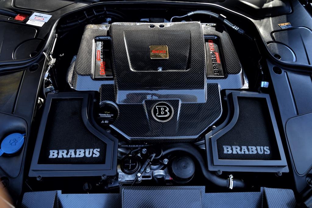 Unter der Motorhaube des S 900 schlummert die brachiale Gewalt - beim Tritt aufs Gaspedal huscht jedem Autoenthusiasten ein Lächeln durchs Gesicht