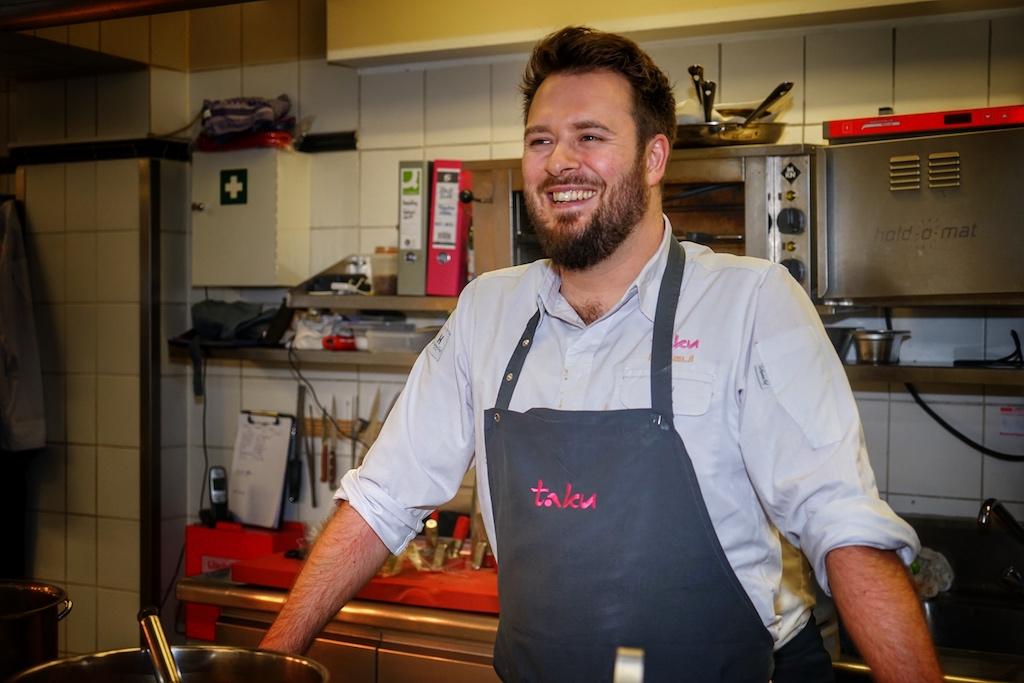 Sternekoch Mirko Gaul blickt dem kommenden Lunch gelassen entgegen. detailgenaue Vorbereitungen gehören für ihn zum Standard
