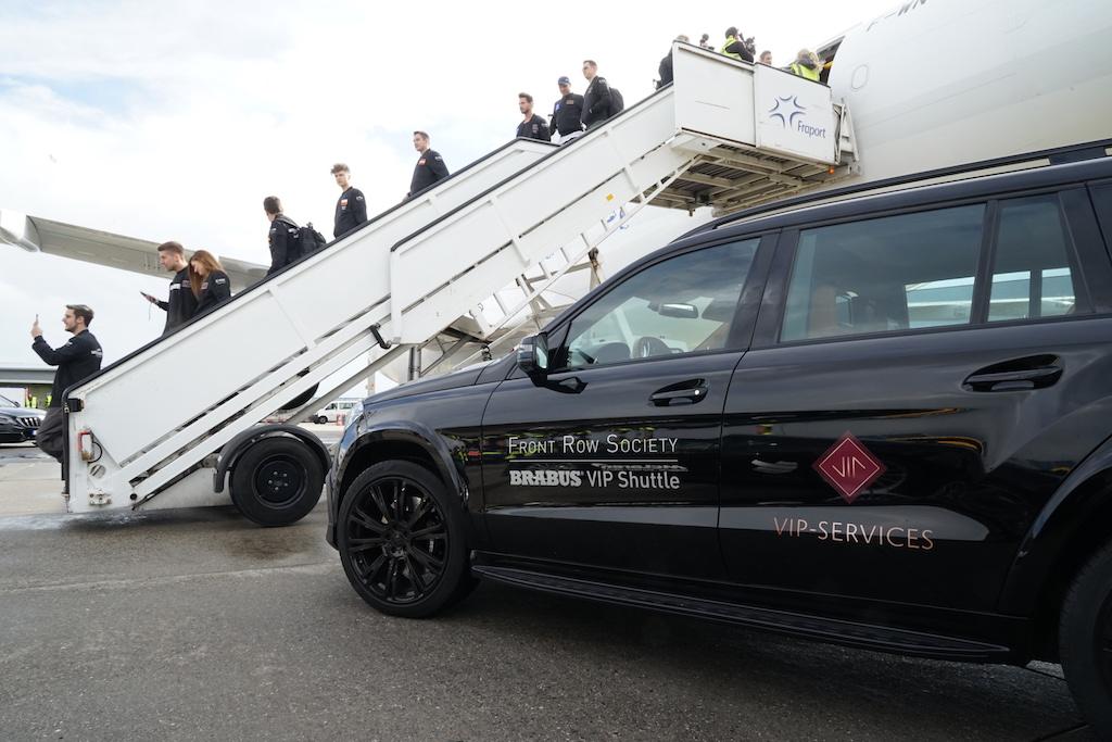 ... bis hin zum VIP-Shuttle Service auf dem Flugvorfeld, ...