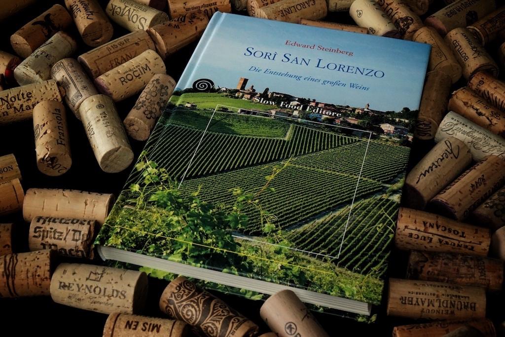 Edwards Steinbergs Werk über die Entstehung eines großen Weins richtet sich nicht nur an Profis. Auch der Wein-Laie darf sich zum Lesen und Stöbern animiert fühlen