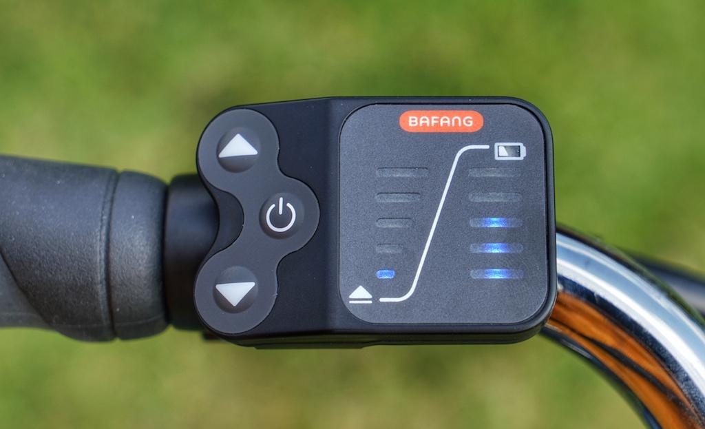 Über die elektronische Einheit am linken Lneker platziert, kann der Fahrer die gewünschte Unterstützungsstufe wählen