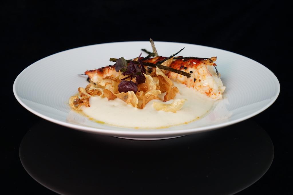 Famose Kreation vom Kölner Sternekoch Mirko Gaul: Lobster aus Maine - gebraten, Beef-Tea, Sellerie, Kräuter