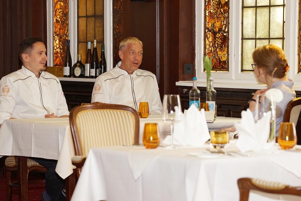 Doppelspitze von Ronny Bell (re.) und Holger Motz (li.) machte das Weinhaus zur ersten Adresse für Gourmets in Schwerin