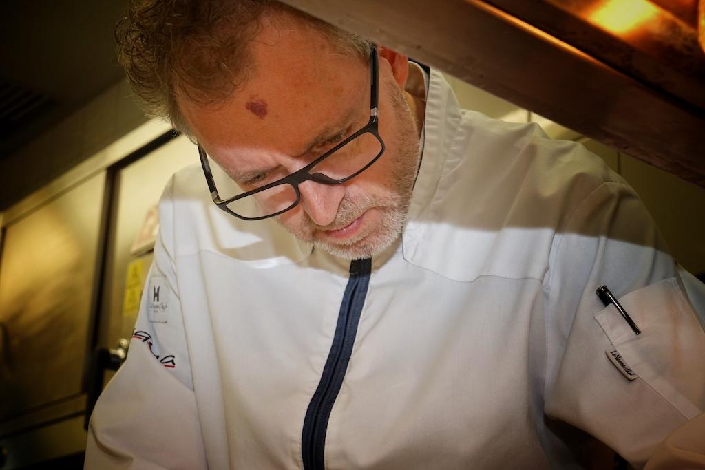 Sven Elverfeld ist unumstritten einer der besten Köche Deutschlands. Seit zehen Jahren beweist er nun schon seine Kunst mit 3 Sternen im Guide Michelin / © Redaktion FrontRowSociety.net