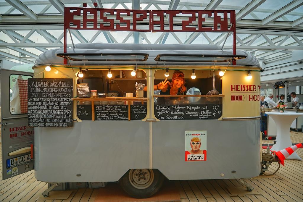 "Erstmals auf dem Lido Deck zu EUROPAs Best platziert, der Street Food Wagen namens ""Heißer Hobel"""