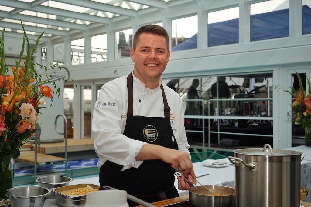 ... und 2 Sternekoch Stefan Heilemann vom Restaurant Ecco in Zürich vertraten die Schweizer Haute Cuisine
