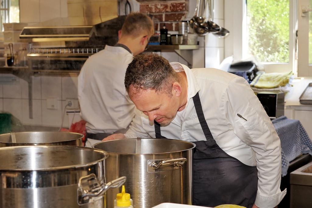 Für das gesamte kulinarische Konzept trägt Sternekoch und Saucengott Jens Rittmeyer die Verantwortung
