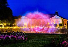 Multimediaprojektion am Springbrunnen im Rosengarten von Bad Kissingen / © FrontRowSociety.net, Foto: Georg Berg
