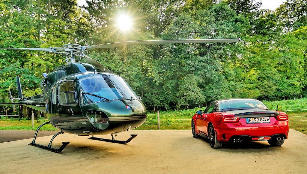 Angereist waren mir zur Villa Rene Lalique mit einem Abarth GT 124 - weiter ging es mit einem Hubschrauber AS-355