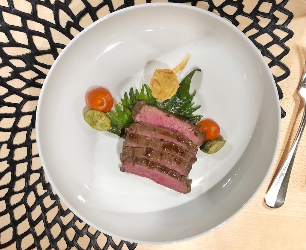 Zartes US Beef Flanksteak mit Bulgogi, Kimchi, Shiso