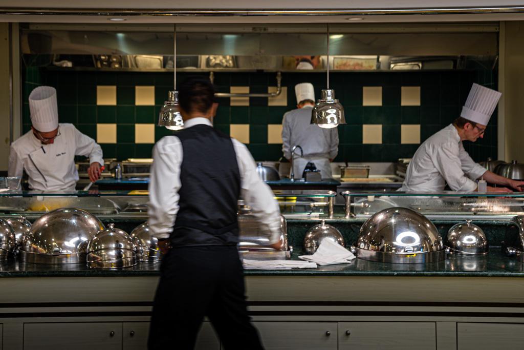 Im Restaurant der Pont Aven speisen á la carte und dazu eine große Auswahl erlesener Weine genießen (Küchenchef: Yann Collen) / © FrontRowSociety.net, Foto: Georg Berg