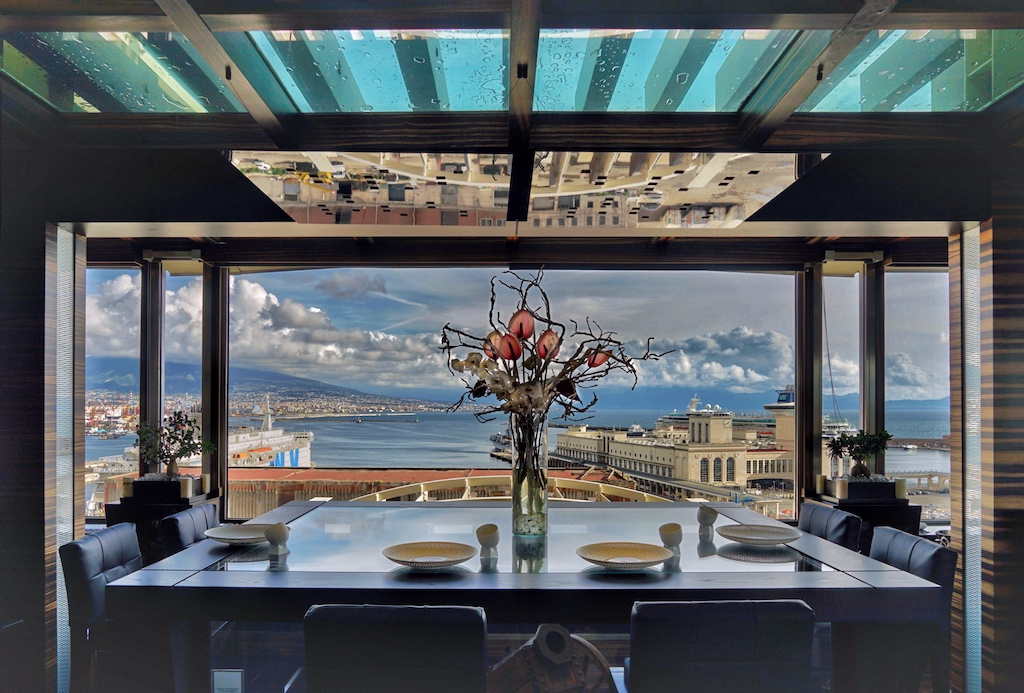 Aus dem Sterne-Restaurant -Il-Comandante im 9 Stockwerk genießt man feine Küche mit einmaligen Blick Aus dem Sterne-Restaurant -Il-Comandante im 9 Stockwerk genießt man feine Küche mit einmaligen Blick
