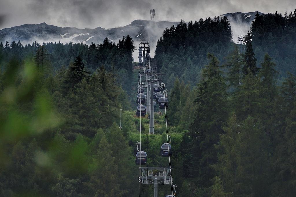 Von Sölden geht es über die Mittelstation hinauf auf bis zu 3048 Meter