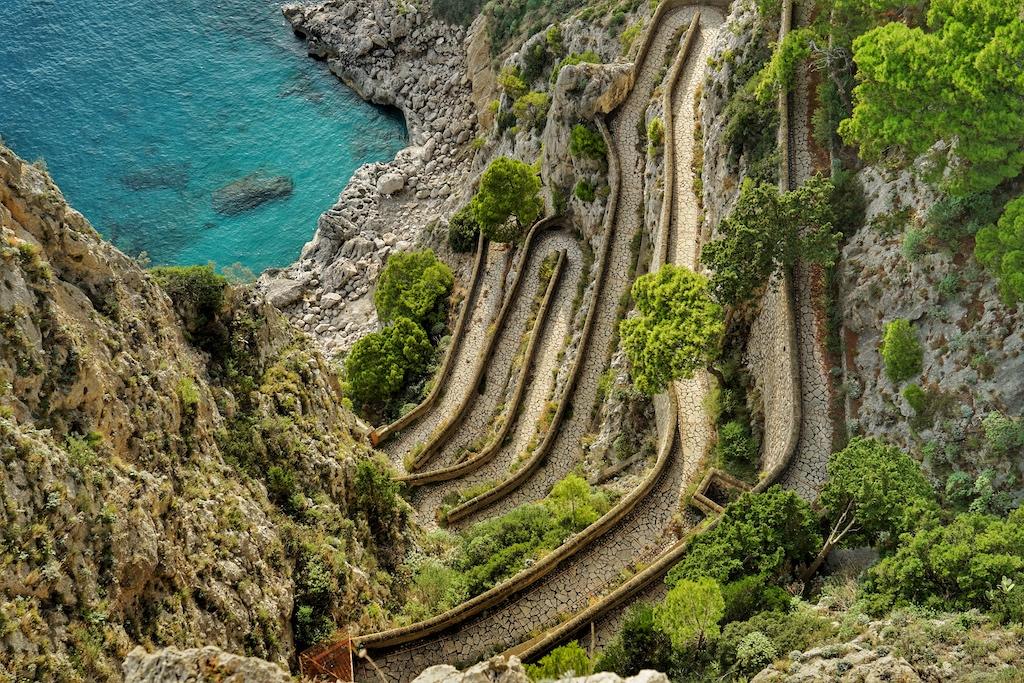 Die Via Krupp ist die spekulärste Straße auf Capri - leider schon seit Jahren geschlossen
