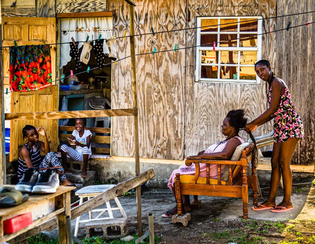 Das Leben findet zum größten Teil im Freien statt / © FrontRowSociety.net, Foto: Georg Berg