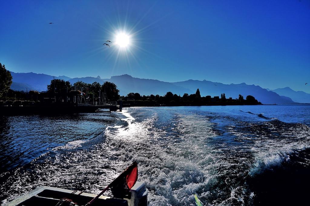 Wir verlassen den kleinen Hafen von Veve