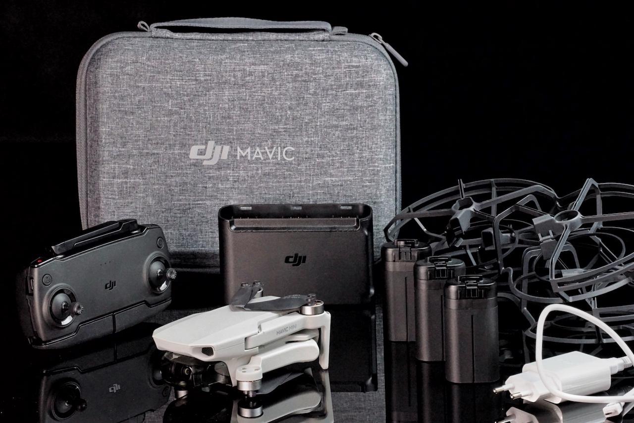 """Die Mavic Mini von DJI gibt es als Komplett-Set, """"Fly more Combo"""" - darin sind zusätzlich 3 Akkus enthalten und der Schutz für die Propeller"""