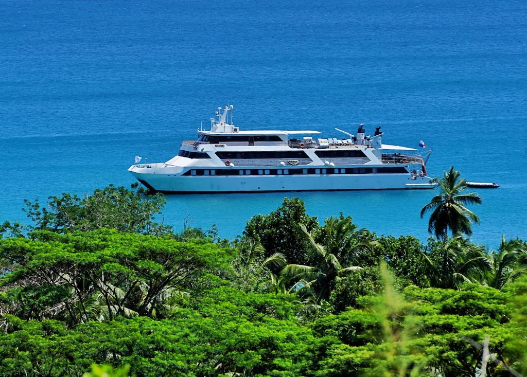 Neben dem exklusiven Kochevent kommt es zur Abwechslung beim Ausflug mit einer Yacht oder bei einem Segeltörn - auf den Seychellen kann ein vielseitiges Eventprogramm geboten werden, was keiner so schnell vergisst