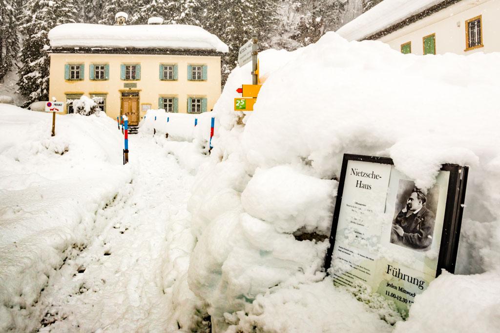 Das Nietzsche-Haus liegt in der Ortsmitte von Sils / © FrontRowSociety.net, Foto: Georg Berg