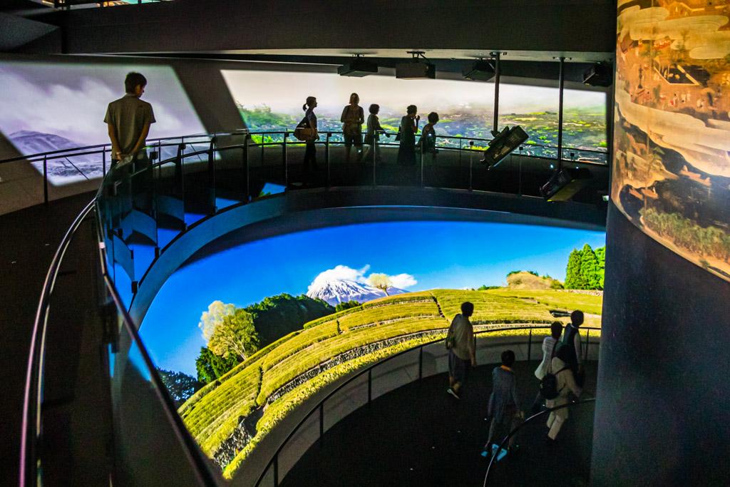 Der virtuelle Aufstieg. Auf über 3.000 Quadratmetern dreht sich im Mount Fuji World Heritage Centre in Fujinomiya alles um den Heiligen Berg Japans / © FrontRowSociety.net, Foto: Georg Berg