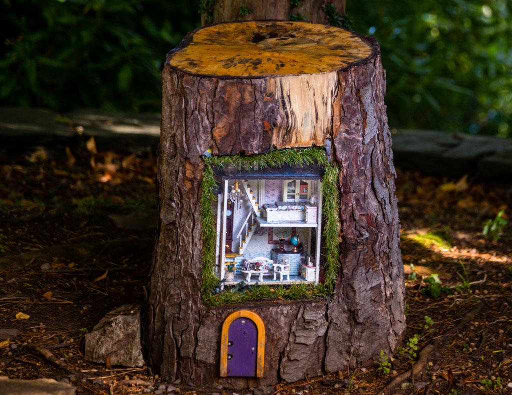 Der Elf Stewart ist nicht länger allein im Dunloe Castle. Weitere 19 Elfen leisten im Gesellschaft. Jedes Fabelwesen hat eine eigene Unterkunft, die von Kindern aufgespürt werden kann / © FrontRowSociety.net, Foto: Georg Berg