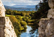 Die Umgebung des Dunloe Hotels vom Castle aus gesehen / © FrontRowSociety.net, Foto: Georg Berg