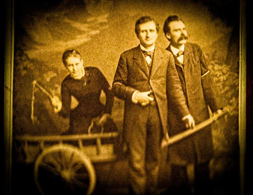 Nach Nietzsches Baseler Zeit entstand 1882 das berühmte Foto mit Lou von Salomé und Paul Rée / © FrontRowSociety.net, Foto: Georg Berg