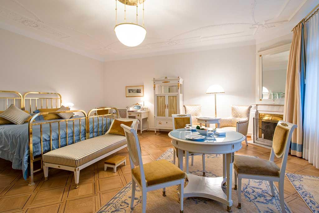 Heute werden die Kategorien in historische Zimmer, klassische Zimmer und moderne Zimmer unterschieden / © Waldhaus, Foto: Gian Giovanoli