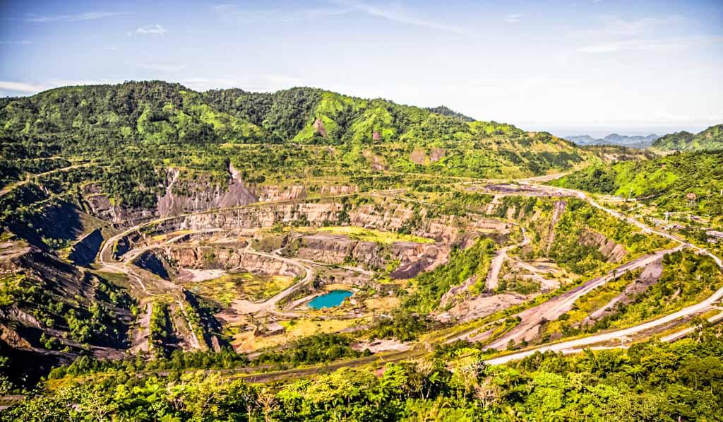 The disused Panguna copper mine on Bougainville / © True North, photo: Oliver Oldroyd