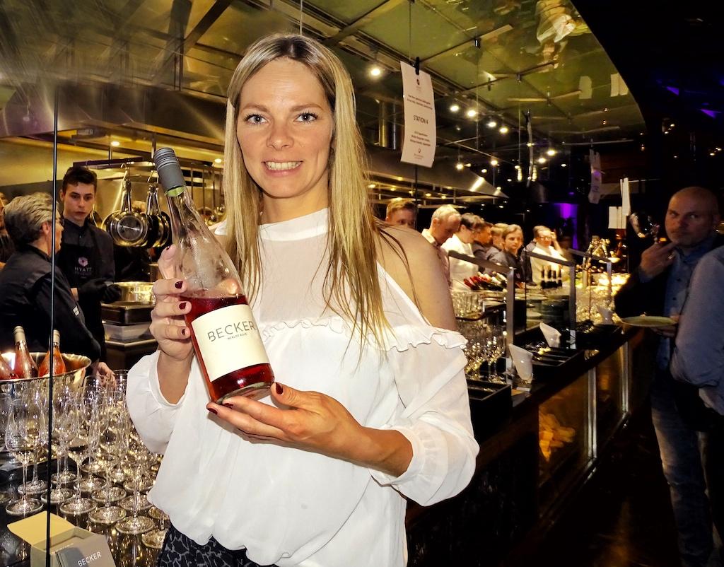 Sabrina Becker gehört zu den bemerkenswerten Jungwinzerinnen in Rheinhessen