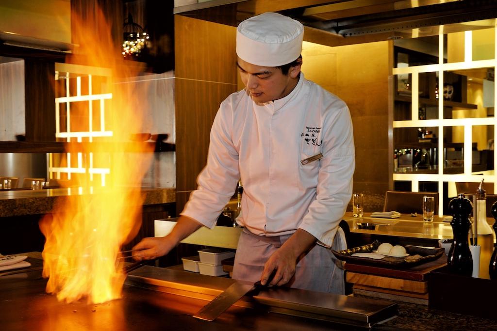 Teppanyaki ist das Spiel mit dem Element Feuer, das immer wieder Aufsehen erreg