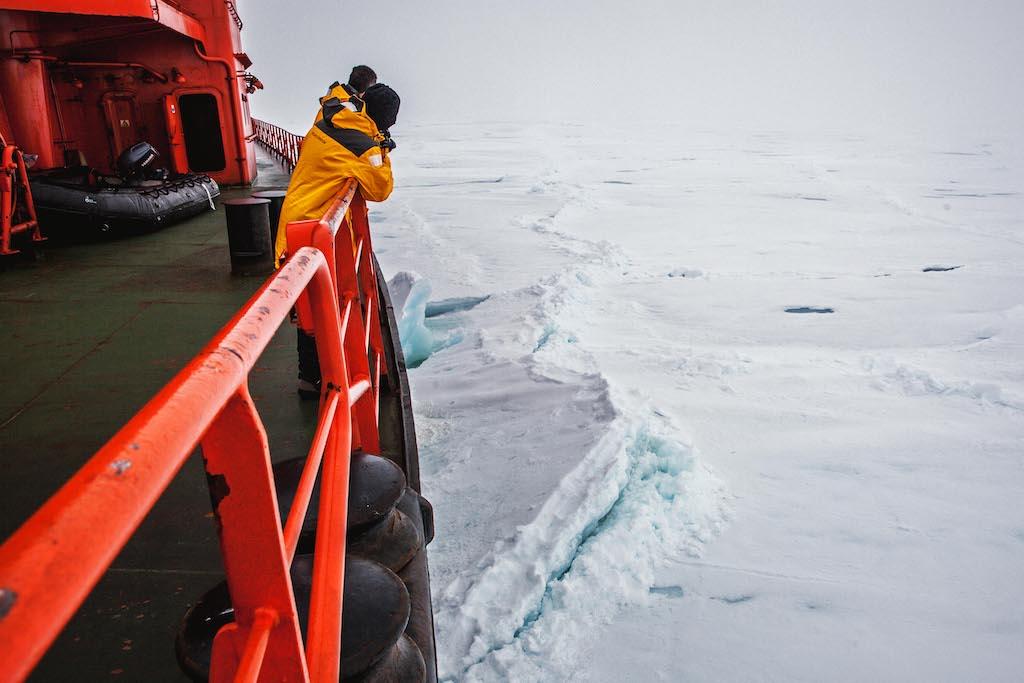 Das Eisbrechen ist für die Passagiere ein ständig faszinierendes Schauspiel