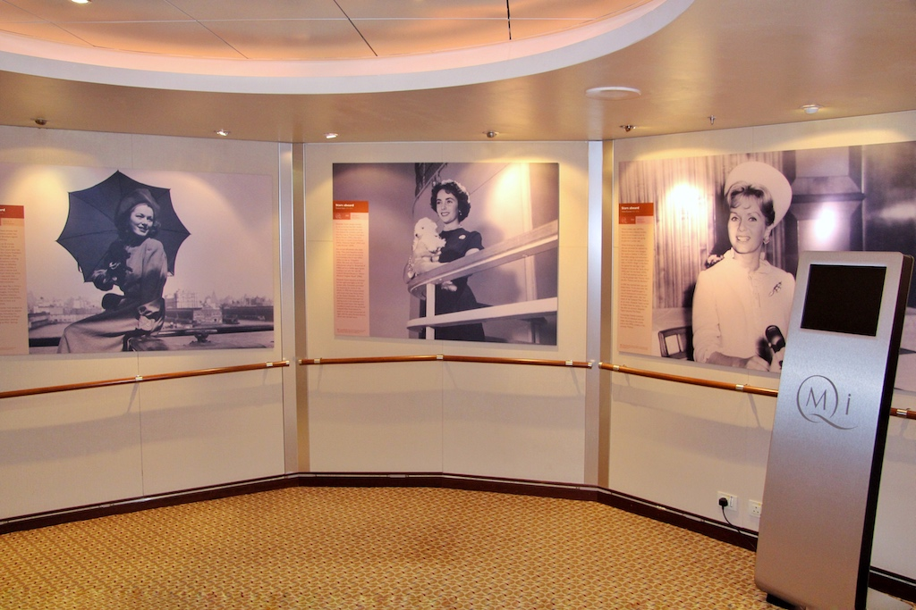 """Die Reichen und Schönen waren jahrzehntelang regelmäßige Gäste auf den Schiffen der Cunard Line, das """"Who is Who"""" kann man im """"Maritime Trail"""" an Bord nachlesen"""
