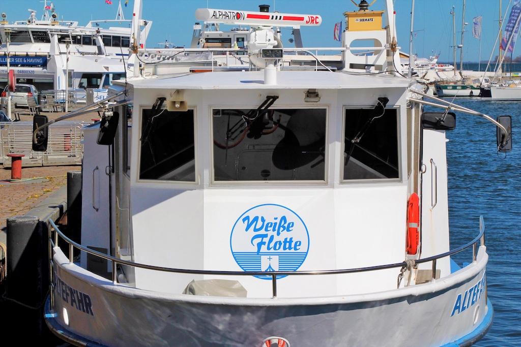 MS ALTEFÄHR der Weißen Flotte macht Hafenrundfahrten und ist Rügenfähre