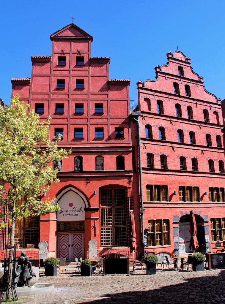 """Das Romantik-Hotel """"Scheelehof"""" mit seiner Doppelfassade ist eine ganz besondere Adresse mitten in der Altstadt"""