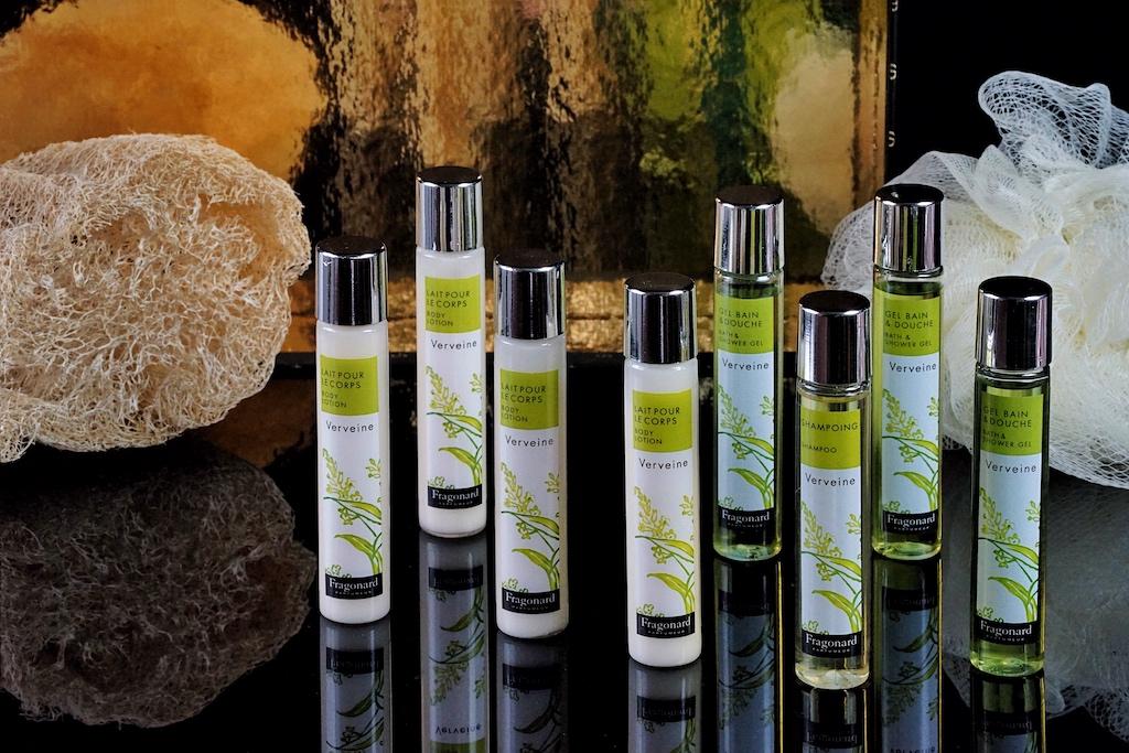 """Die Produkte mit dem Markenname """"Fragonard Les Naturelles"""" haben einen hohen Wiedererkennungswert aufgrund ihrer schlanken röhrenartigen Verpackung"""