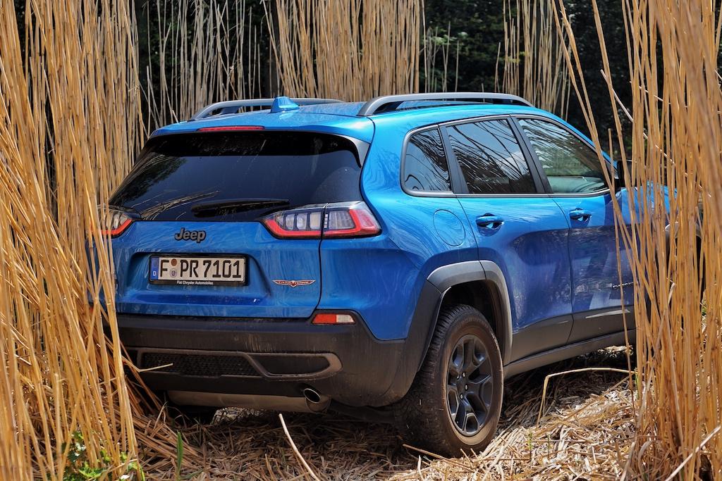 """Mit """"Selec-Terrain"""" lässt sich der Jeep Cherokee durch jedes Gelände bewegen"""