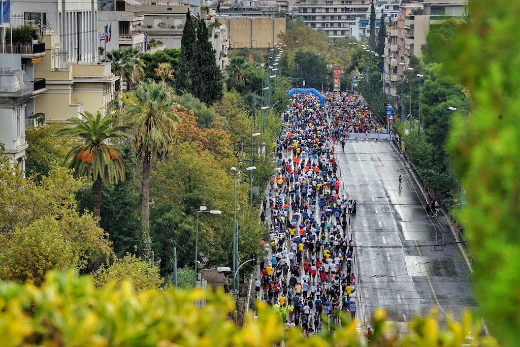 An dem einen Tag ist die Straße für den chinesischen Ministerpräsident gesperrt, am anderen für den Marathon