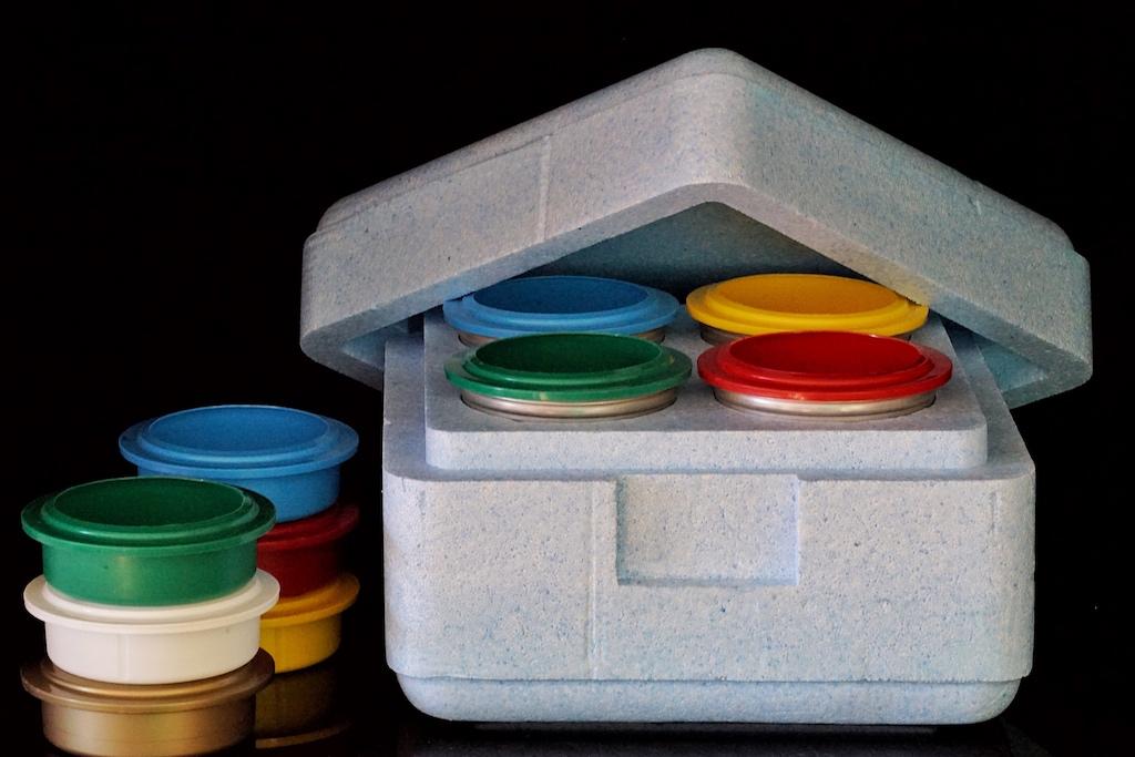 Zubehör kann jederzeit bezogen werden. Ob die klassische Thermobox für bis zu 4 Pacossierbecher oder auch Decken in den verschiedensten Farben