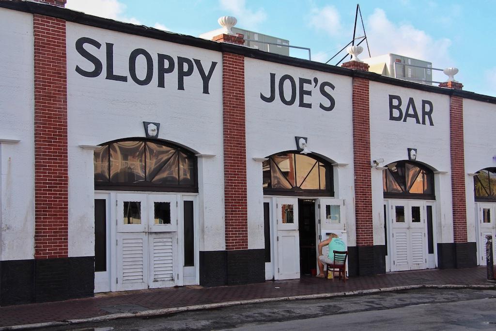"""Heminways Stammkneipe """"Sloppy Joe's Bar"""" befindet sich in Key West in der Duval Street Ecke Greene Street und ist für ihre Live-Musik berühmt"""