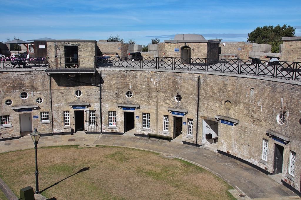 Das ringförmige Harwich Redoubt – früher Festungsanlage, heute militärhistorisches Museum
