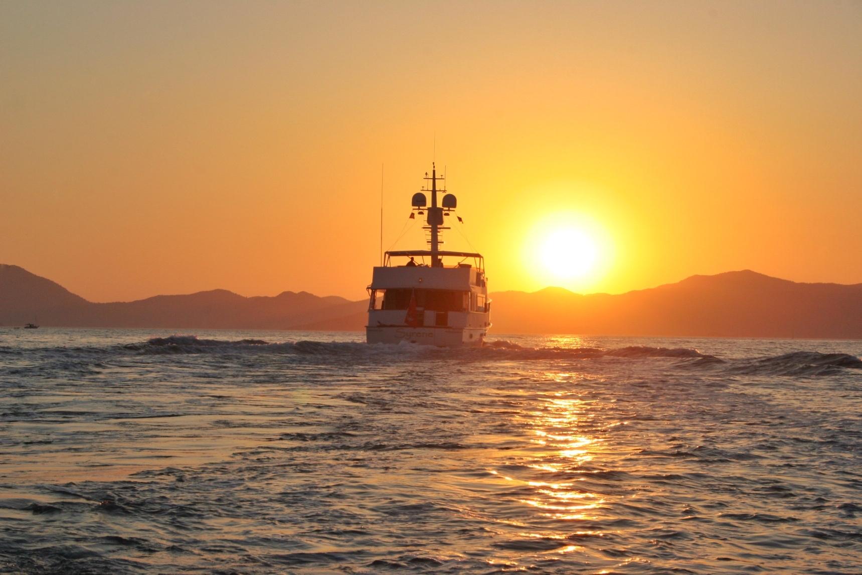 Immer wieder ein Erlebnis ist die Fahrt in den Sonnenuntergang