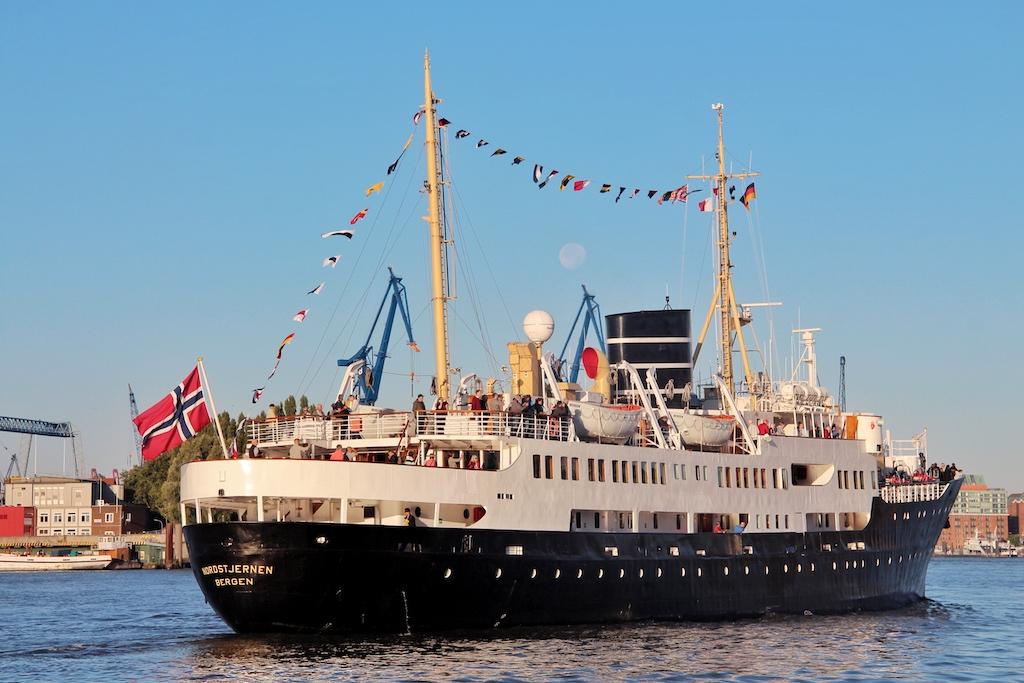 """Die """"Nordstjernen"""" im Hamburger Hafen. Hier wurde das Schiff 1956 auch gebaut"""