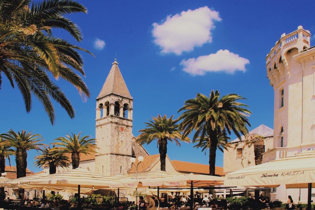 Restaurant an der Uferpromenade von Trogir