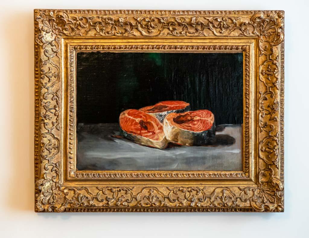 Das Stilleben mit drei Lachsscheiben hat Francisco de Goya vor über 200 Jahren gemalt. Perspektive und Lichteffekte sind bemerkenswert / © FrontRowSociety.net, Foto: Georg Berg