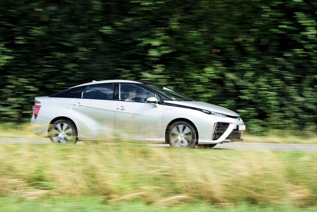 Der Toyota MIRAI ist auf deutschen Straßen selten anzutreffen