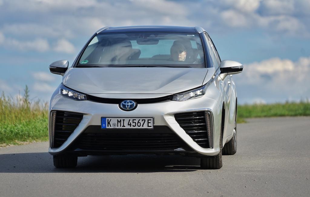 Den Spurt von 0 auf 100 Stundenkilometer meistert das Wasserstoff-Auto in unter 10 Sekunden